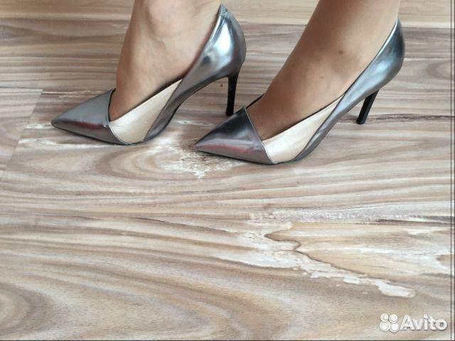 Какие туфли к коралловому платью