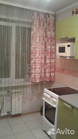 Продается двухкомнатная квартира за 2 050 000 рублей. 1-я Линия,8.