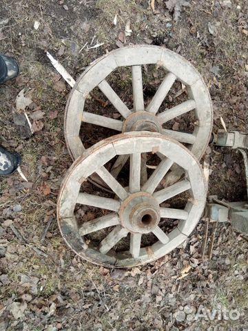 Колесо от телеги деревянное