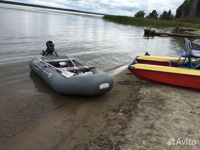 Лодка Gladiator с мотором