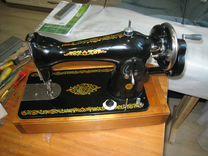 Ручная швейная машинка, хорошее состояние