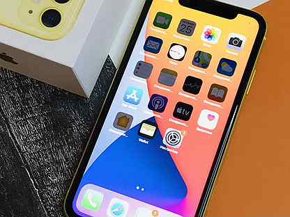 iPhone 11 128GB Желтый / Ростест / Оригинал