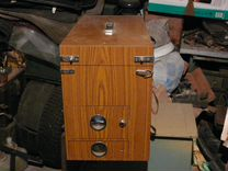 Деревянный рыбацкий ящик