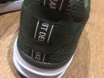 Кроссовки новые беговые легкие цвет хаки